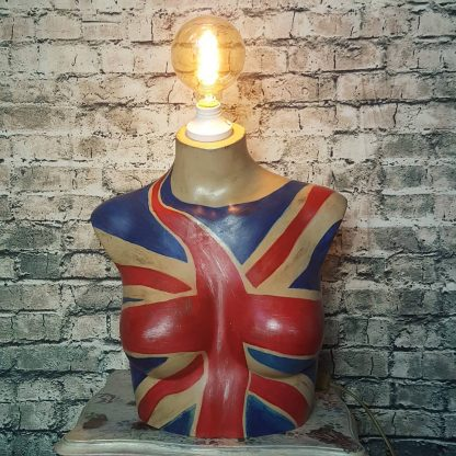 Learn how to upcycle a mannequin